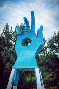 Statua di mano con stigmate - Bratislava